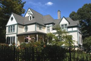 Briar Hill Lane Residence