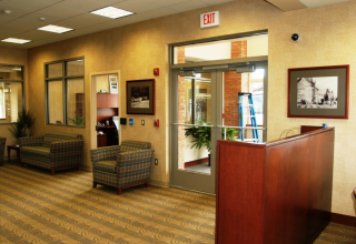 Capital Bank Woodbury Hts (4)