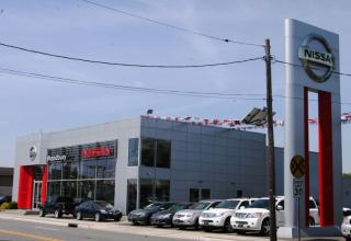 Woodbury Nissan (2)